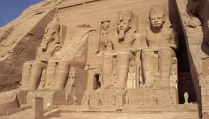 Abu Simbel: due volte l'anno il sole illumina Ramsete II