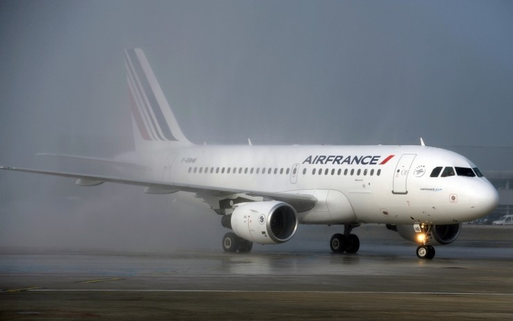 Allarme bomba su aereo Air France, atterraggio emergenza in Kenya