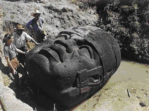 Testa civiltà Olmeca